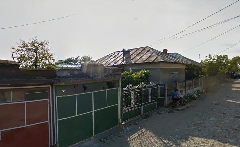 Casa 3 camere + garaj + teren intravilan 600mp, Segarcea, jud. Dolj