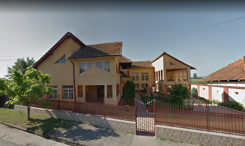 Casa P+E + garaj + terasa P+E + teren intravilan 223mp, Targu Jiu, jud. Gorj